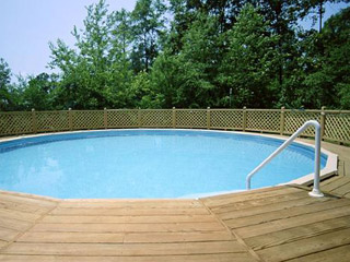 round pool semi-sunk with deck